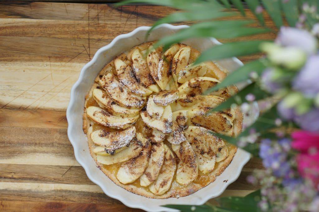 Apple tart (Tarte aux pommes)