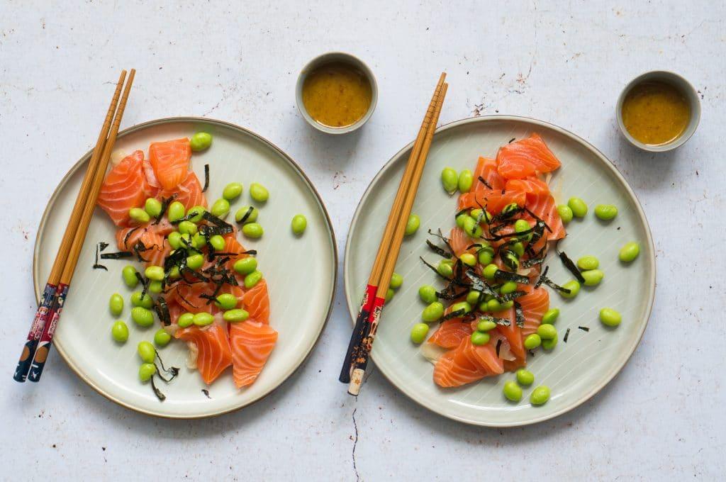 Lachs-Sashimi mit Senfsauce