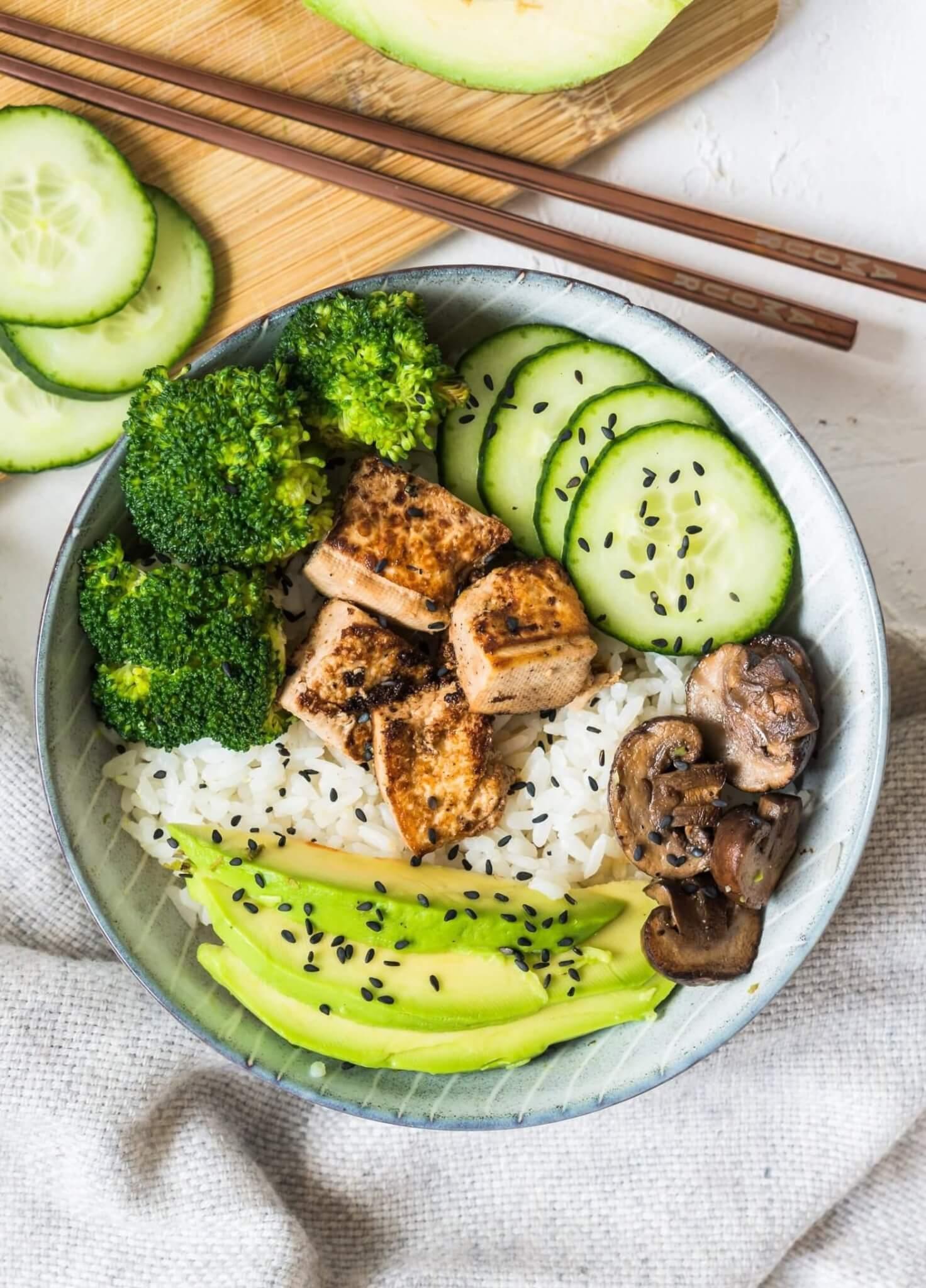 Teriyaki Bowl mit Tofu (vegan)