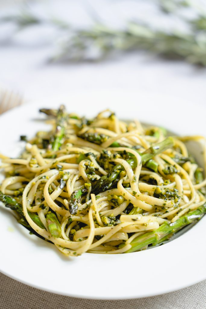 Pasta with Green Asparagus and Pesto