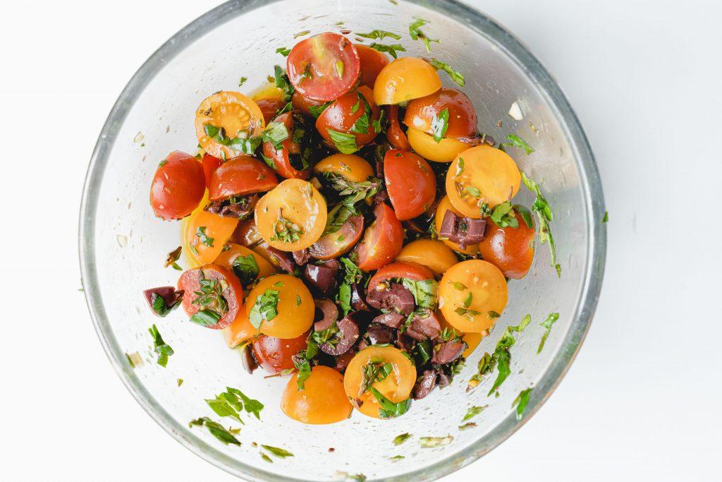 Bruschetta Tomates Cerises, Basilic et Thym